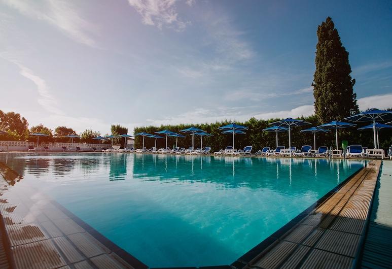 Sveltos Hotel, Oroklini, Outdoor Pool