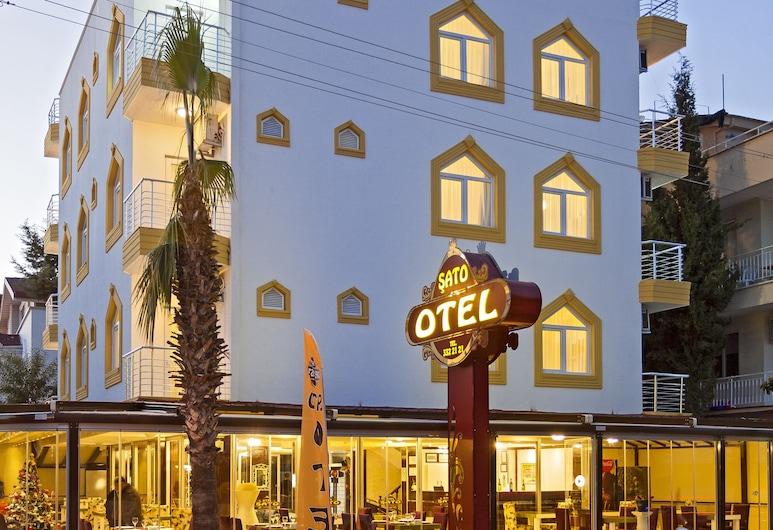 Şato Otel Lara, Antalya