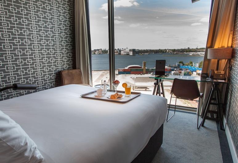 DoubleTree by Hilton Hotel Amsterdam - NDSM Wharf, Amsterdam, Zimmer, 1 Doppelbett, Nichtraucher (Water View), Ausblick vom Zimmer