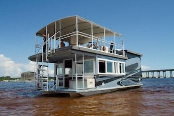 Kuva Island Houseboat-hotellista kohteessa Fort Walton Beach