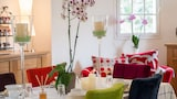 Book this Free Breakfast Hotel in Saumur