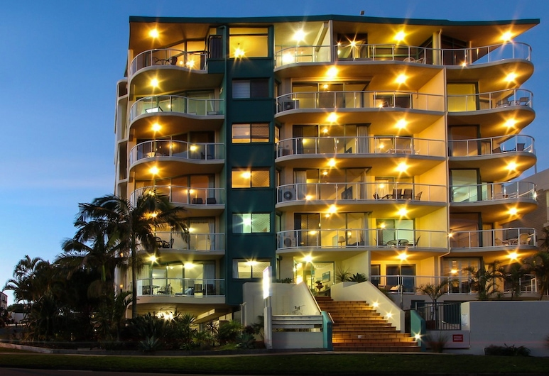 The Waterview, Caloundra, Front of property - evening