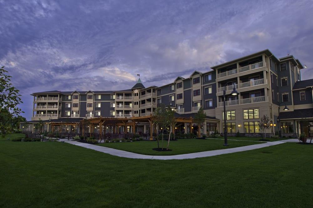 1000 Islands Harbor Hotel, Clayton