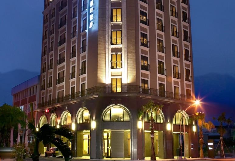經典飯店, 花蓮市, 飯店入口 - 夜景