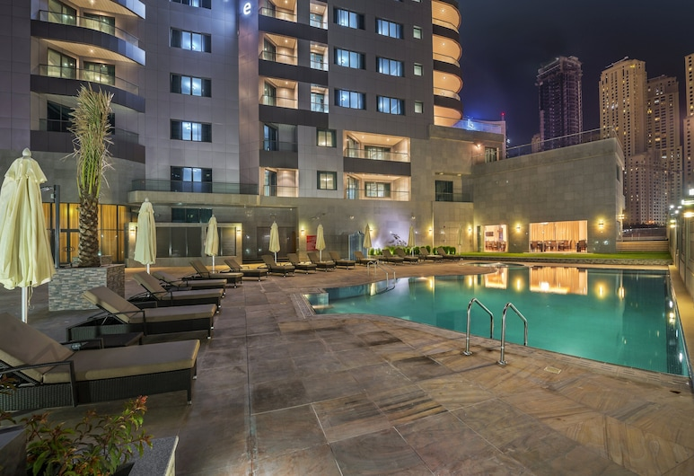 City Première Marina Hotel Apartments, Dubai, Pool