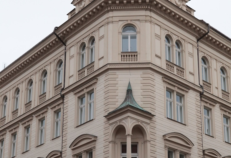 The Palace Suites and Apartments, Prag