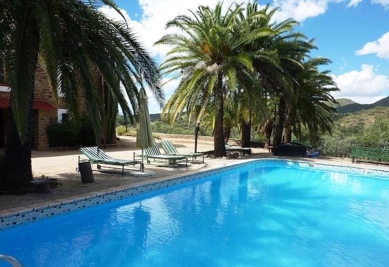 Düsternbrook Safari Guest Farm, Windhoek, Outdoor Pool