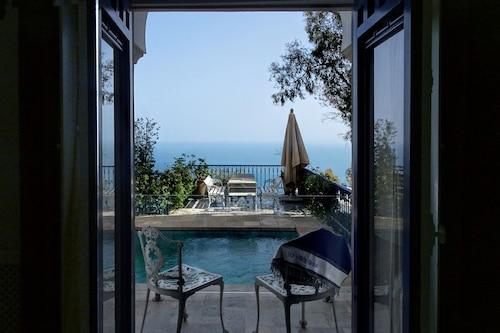 藍色別墅飯店/