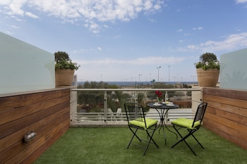 A(z) Garden Hotel hotel fényképe itt: Haifa