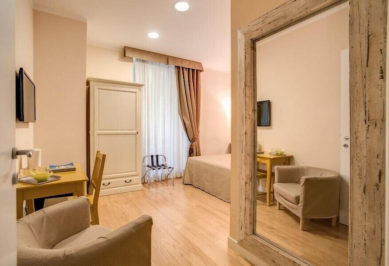 Residenza Dei Gracchi, Rome, Classic Double or Twin Room, Living Area