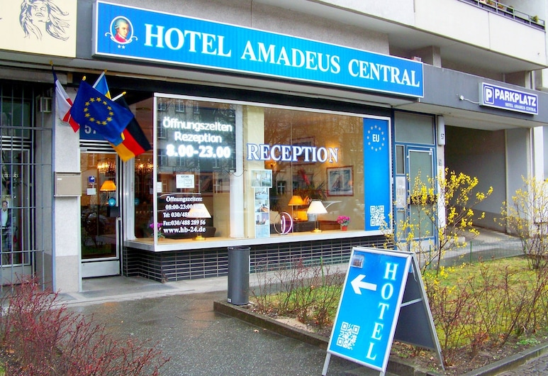Hotel Amadeus Central, Berlín, Vchod do hotela