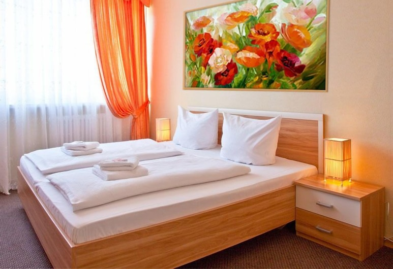 Hotel Amadeus Central, Berlin, Double Room, Shared Bathroom, Guest Room