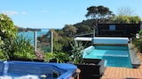 Choose this Apartment in Waiheke Island - Online Room Reservations