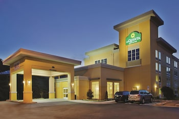 Book this Pool Hotel in Knoxville