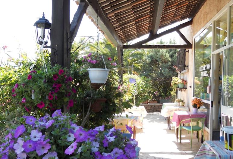 Le Patio, Théoule-sur-Mer, Terraza o patio