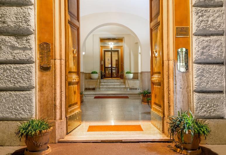 奧塔維亞諾旅館, 羅馬, 飯店入口
