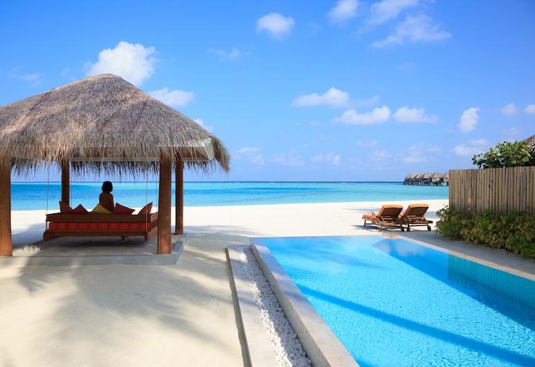 Sun Aqua Vilu Reef, Vilu Reef, Deluxe Villa, Beachside (Plunge Pool), Terrace/Patio