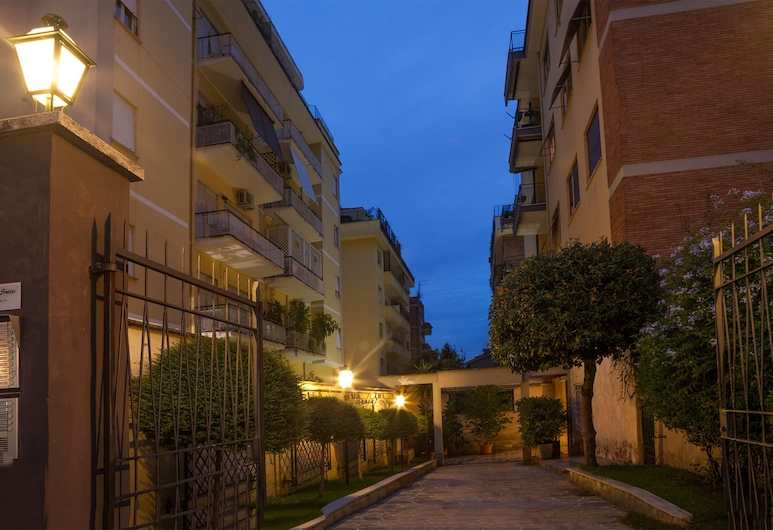 Fleming Suites, Rome, Hotel Front – Evening/Night