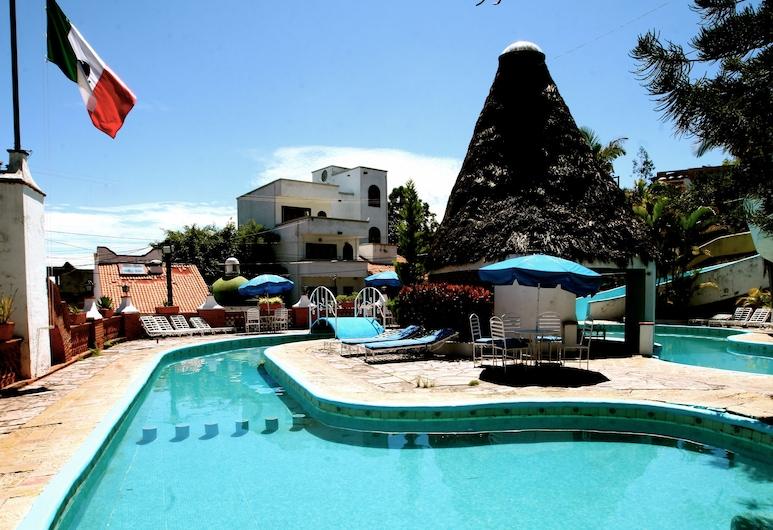 Villas de la Montaña, Taxco, Exterior