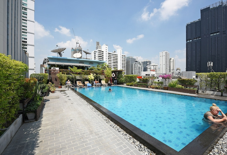 Ruamchitt Plaza Hotel, Bangkok, Pool