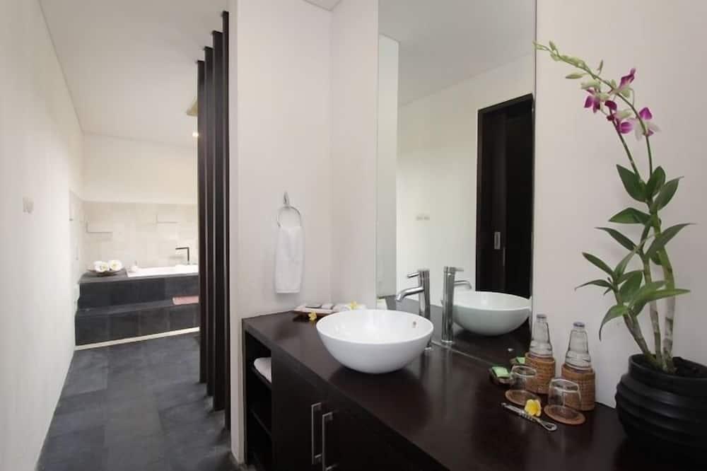 Villa, 2 Bedrooms, Private Pool - Bathroom