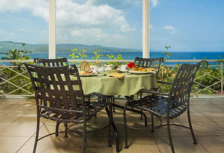 普爾克瑞斯住宿加早餐旅館, 蒙特哥灣, 室外用餐