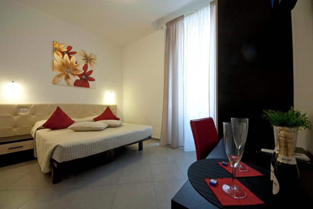 غرفة مزدوجة مريحة - بحمام خاص - منظر للمدينة - غرفة نزلاء