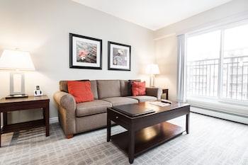 Picture of Canterra Suites Hotel in Edmonton