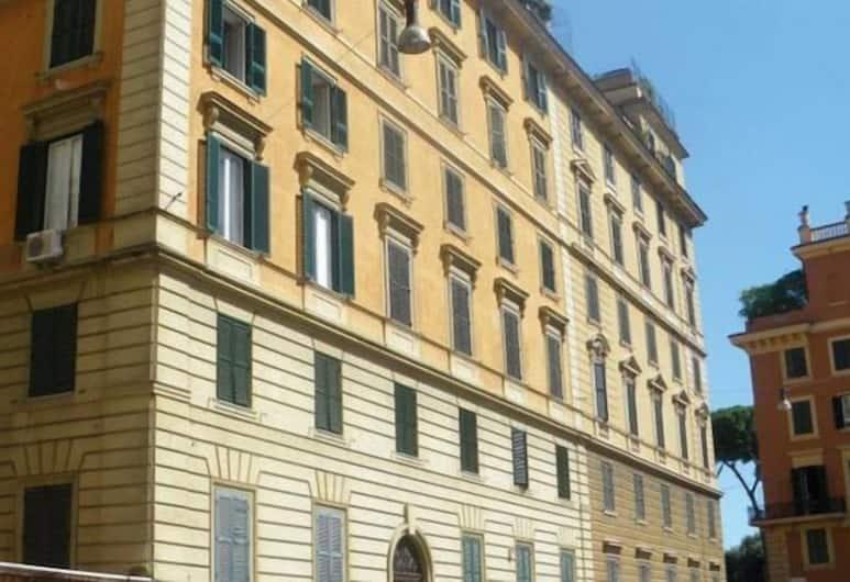馬里威酒店, 羅馬
