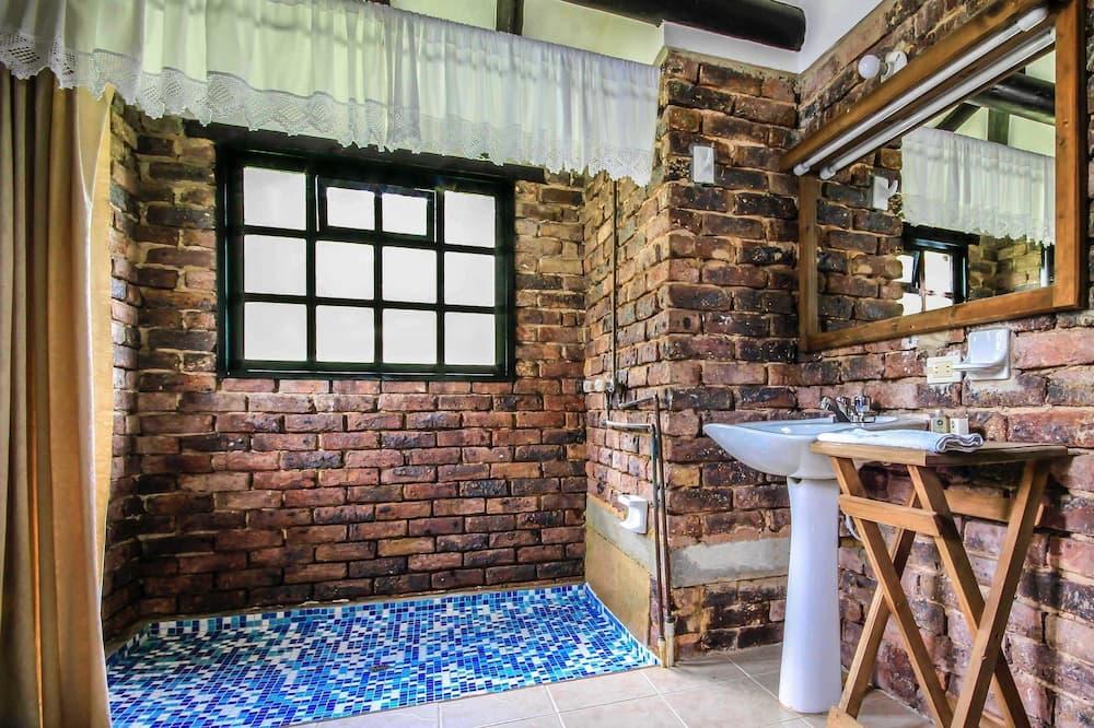Bungalow, 2 Bedrooms - Bathroom