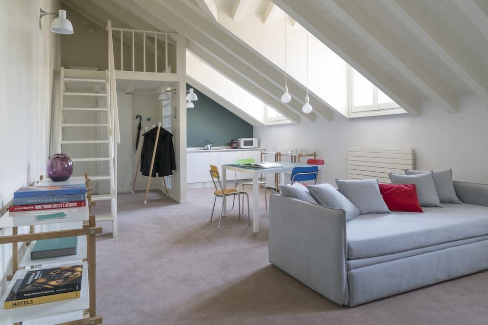 Family One Bedroom Apartment, 4 people, Via Anfiteatro 12  - Dzīvojamā istaba