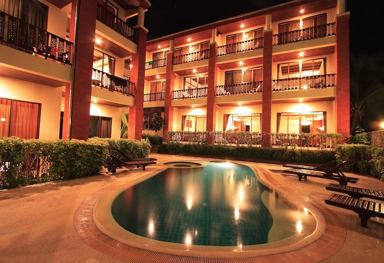 썬 힐 호텔, 파통, 야외 수영장