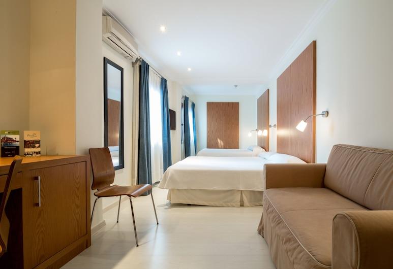 Hotel Costa Blanca, Denia , Triple Room, Bilik Tamu