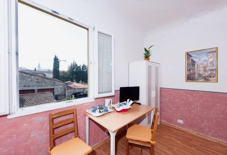 Soggiorno Venere, Florence, Triple Room (Novella), Guest Room View