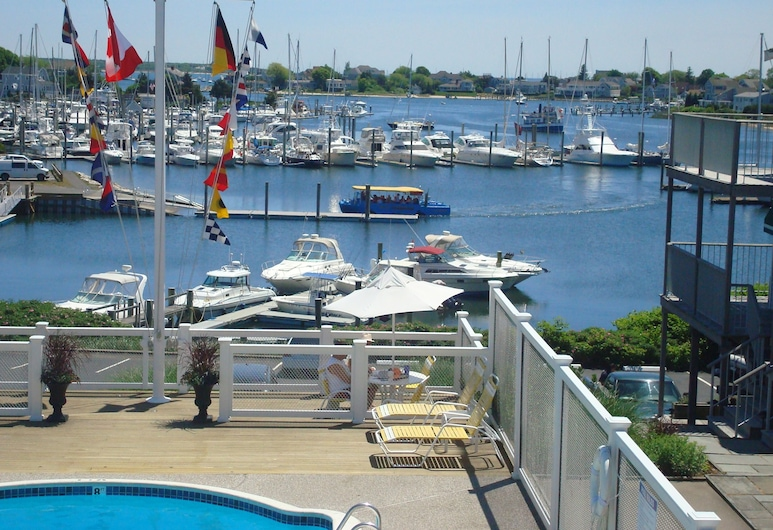 Anchor In Distinctive Waterfront Lodging, Hyannis, Executive Room, 1 King Bed, Harbor View, Sea Facing, Guest Room View
