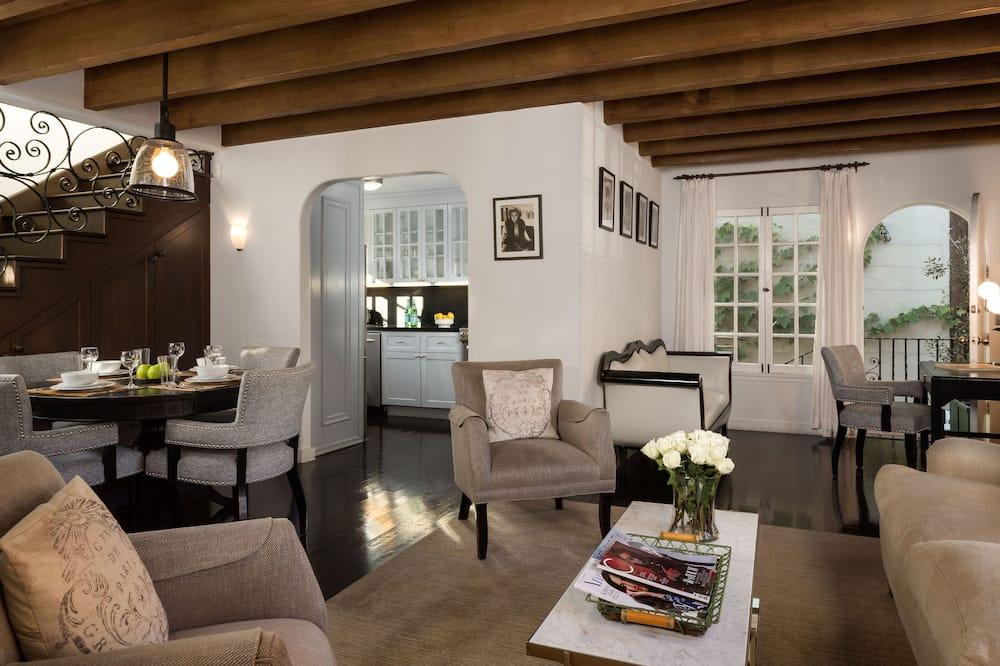 Zimmer, 2Schlafzimmer (Clark, Gloria, or Valentino) - Wohnbereich