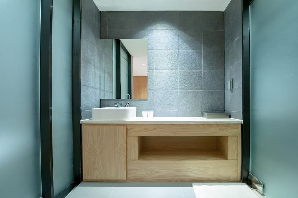 스탠다드 더블룸 (서울 대부분의 객실보다 넓음 ) - 욕실