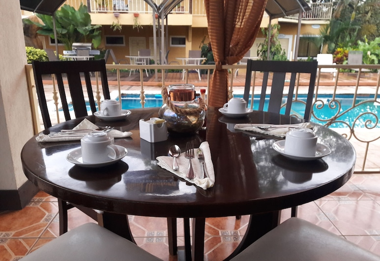 Hotel Zima, San Isidro de El General, Bar przy basenie