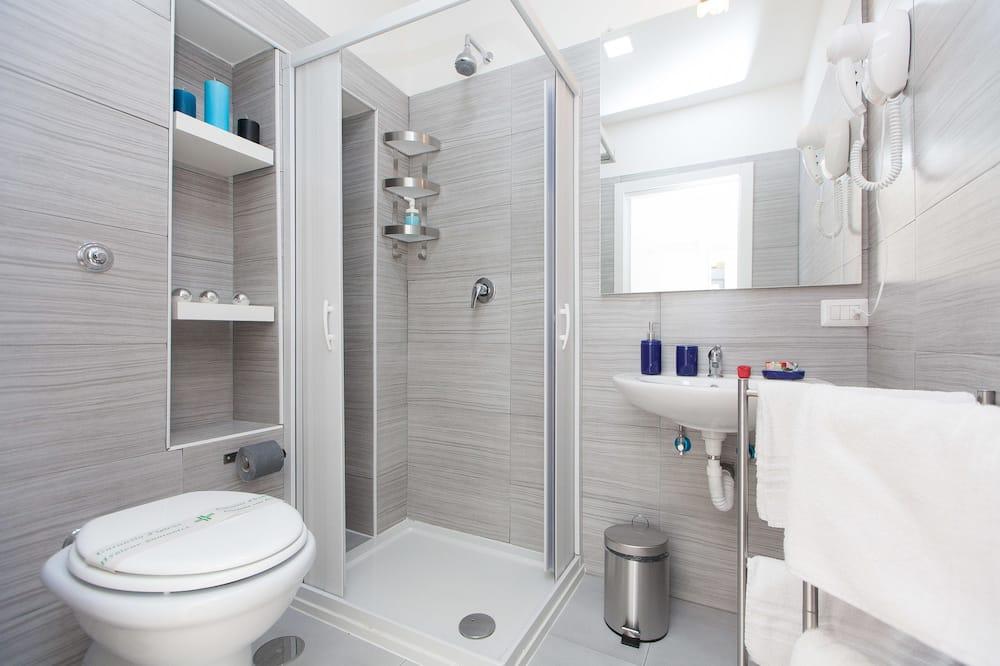 Deluxe Room, 1 Bedroom, Private Bathroom, City View - Bathroom