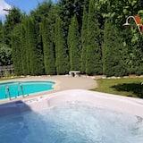 Tina de hidromasaje al aire libre