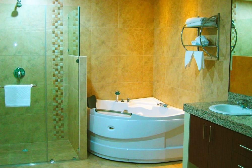 Suite, 1 habitación, para no fumadores, 2 baños - Baño