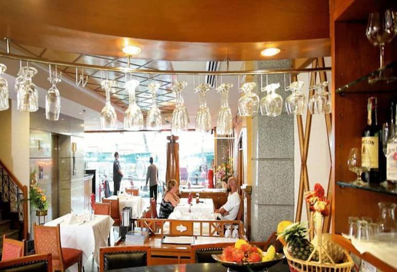 Majestic Suites, Bangkok, Hotelski bar