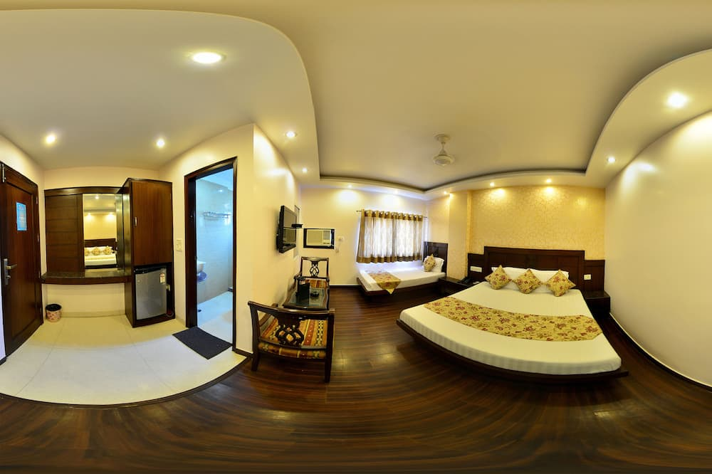 Family Room - Guest Room View
