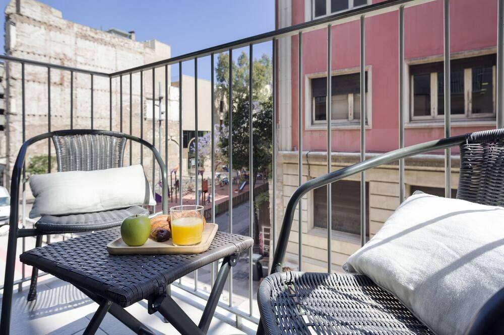 Familielejlighed - 1 soveværelse - balkon - byudsigt - Altan