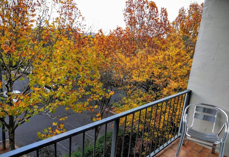 Statesman Hotel, Curtin, Pokój Deluxe, balkon, Pokój