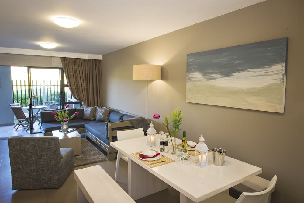Luxury Apartment, 2 Bedrooms (Self Catering ) - Living Area