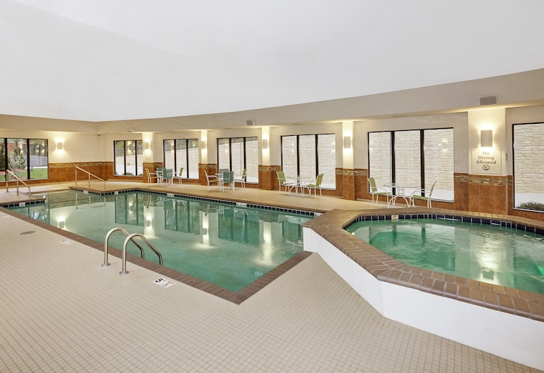 Holiday Inn Express Hotel & Suites Columbia Univ Area-Hwy 63, Columbia, Pool