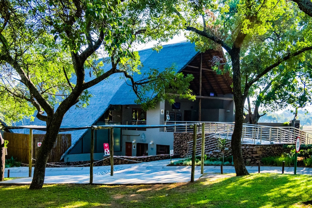 Seasons Sport And Spa In Hartbeespoort Book On Hotels Com