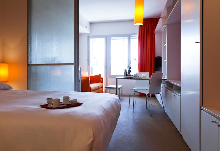 Temporim Lyon Cité Internationale, Lyon, Студія категорії «Superior», 1 двоспальне ліжко та розкладний диван, Номер