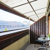 aukštesnės klasės dvivietis kambarys su atskiromis lovomis - Vaizdas iš balkono
